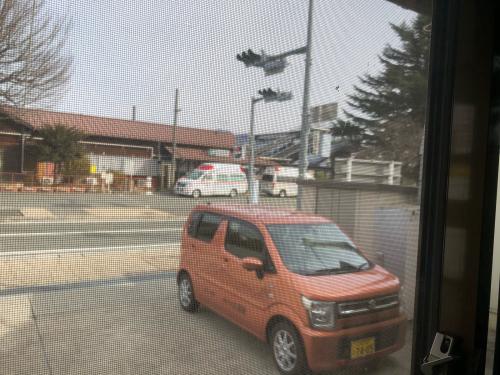 救急車が日野春駅に🚑2台。何かあったのでしよう。年末年始、必ず_d0338282_13241207.jpg