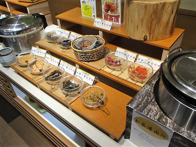 「湯沢グランドホテル」で朝食バイキング♪_c0169330_10043256.jpg