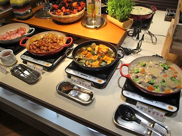 「湯沢グランドホテル」で朝食バイキング♪_c0169330_10055432.jpg
