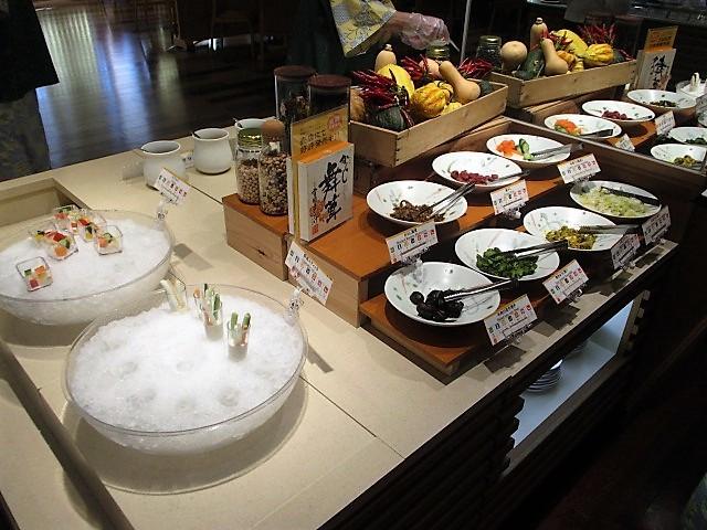 「湯沢グランドホテル」で朝食バイキング♪_c0169330_10063315.jpg