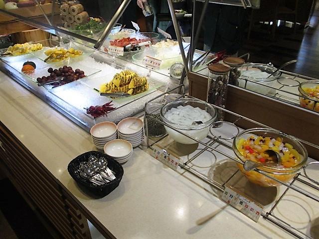 「湯沢グランドホテル」で朝食バイキング♪_c0169330_10064816.jpg