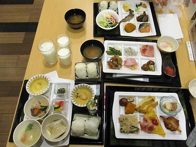 「湯沢グランドホテル」で朝食バイキング♪_c0169330_10081286.jpg