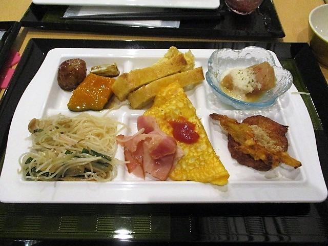 「湯沢グランドホテル」で朝食バイキング♪_c0169330_10090168.jpg