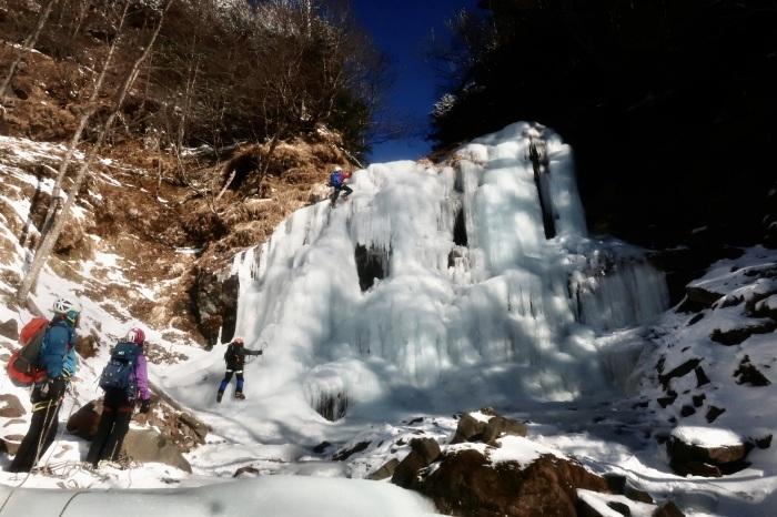 王岩の氷柱と峰ノ松目沢_d0138986_13101874.jpeg