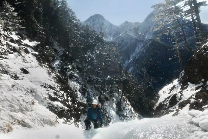王岩の氷柱と峰ノ松目沢_d0138986_13104430.jpeg