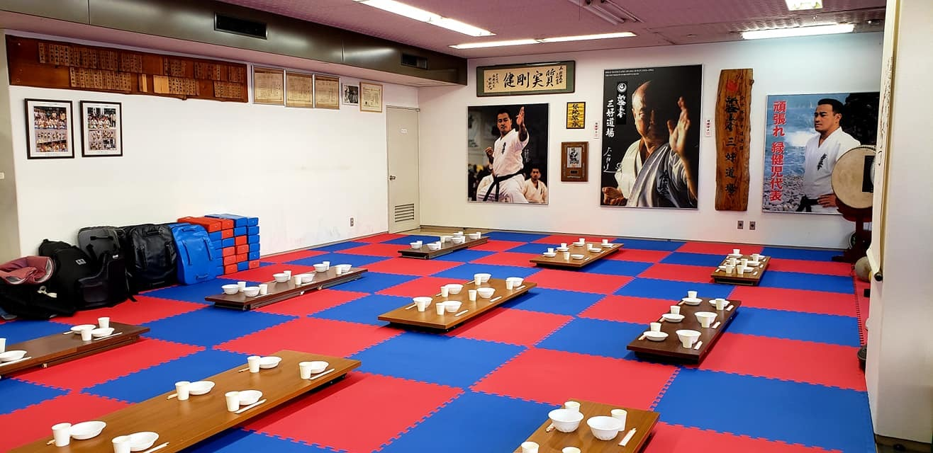我が盟友奥村日本代表監督迎えて、第100回記念、大山倍達総裁伝統の「鶏の水炊き会」です。_c0186691_13595930.jpg