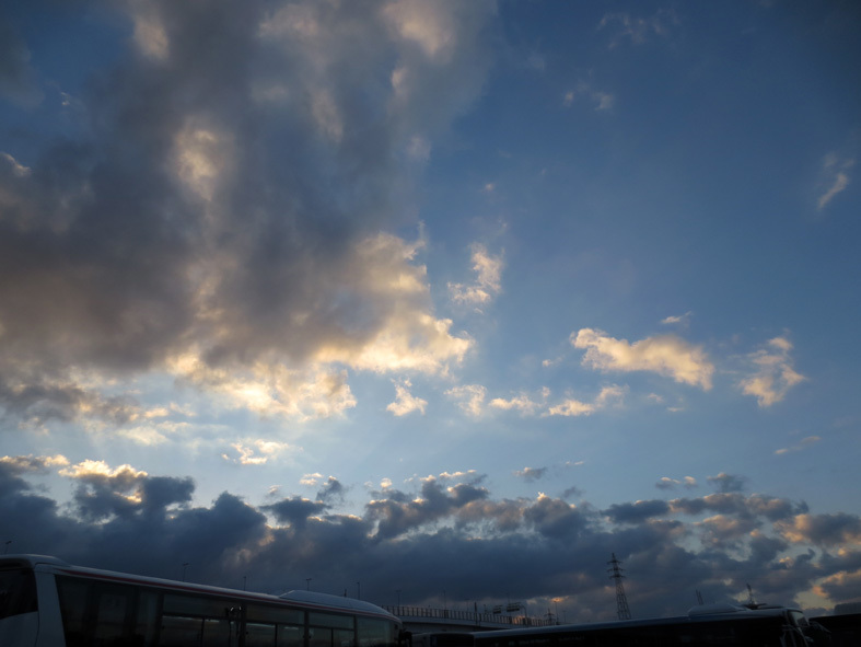 ■新春二日目の雲と夢想──週替わりの夕暮れ[1/2]_d0190217_23062830.jpg