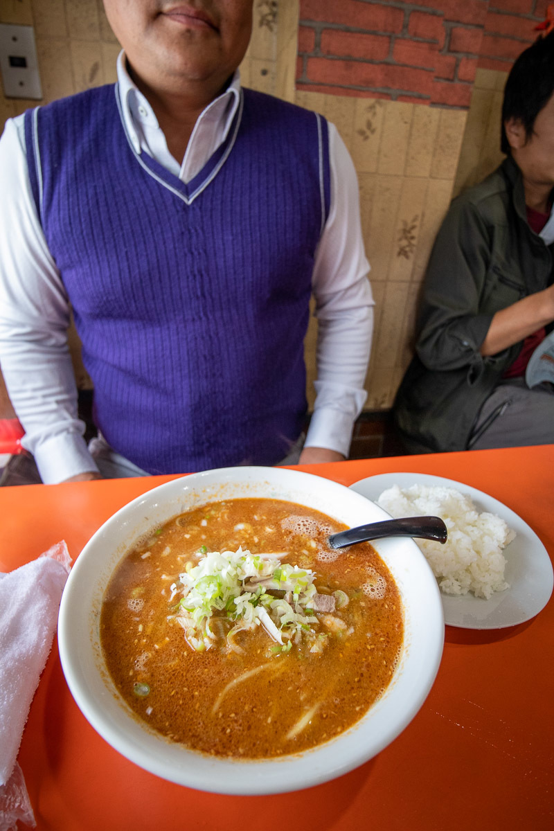 中華料理 天山でブタ丼_a0077663_15483475.jpg
