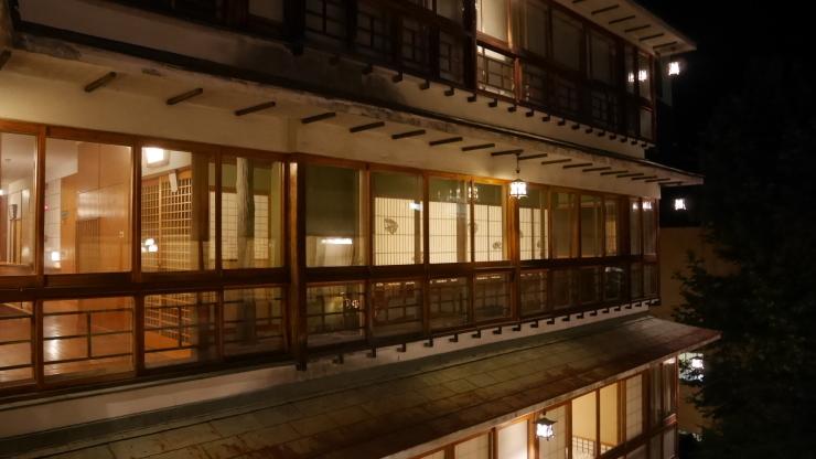 石段街の頂付近に位置する老舗-伊香保温泉・横手館_a0385880_13234656.jpg