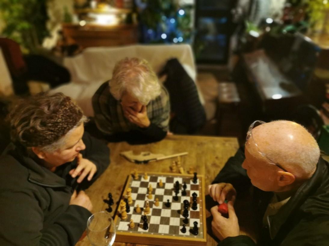 大晦日のチェス対戦_f0106597_00045075.jpg