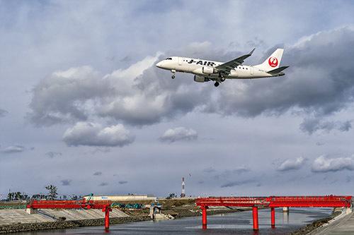 010仙台空港 強風に負けて2時間だけ_c0148812_17404578.jpg
