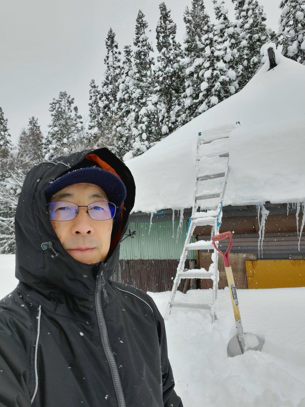 納屋の雪下ろし_b0304722_20565435.jpg