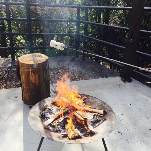 お洒落な焚き火カフェに癒される・・・_f0054260_10194113.jpg