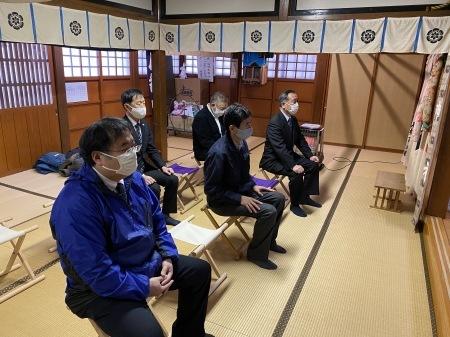 卸センター理事会で初詣に行きました。_f0141477_15142671.jpg
