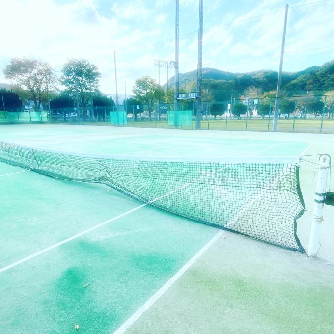 テニスコート水曜半額デー_d0155416_08053917.jpeg