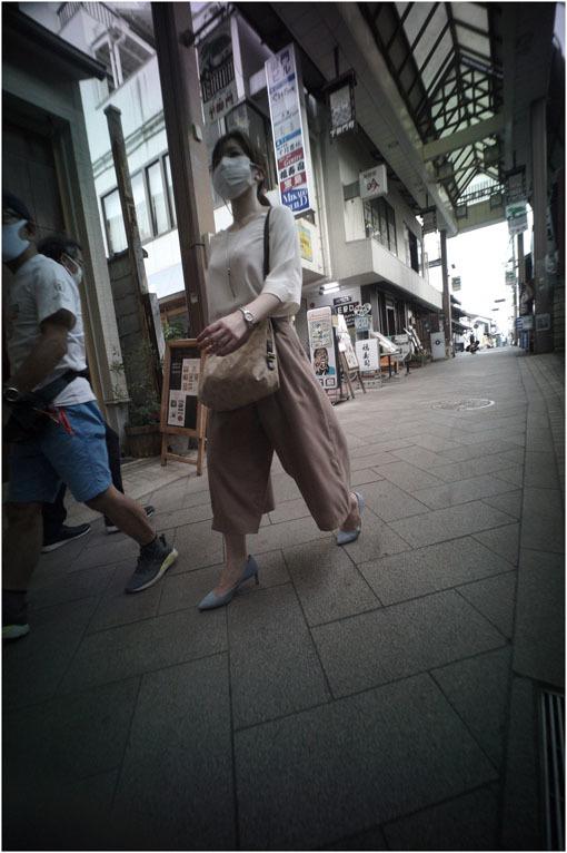 875.01 生き生きと(2020年5月30日ホロゴン15mmF8は勝手知ったる奈良町をのびのび散歩)1  奈良町へ_c0168172_22314208.jpg