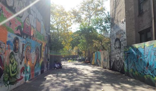 じわじわ、じっくりニューヨークの壁画巡り、Lower East Sideお散歩_b0007805_00212951.jpg