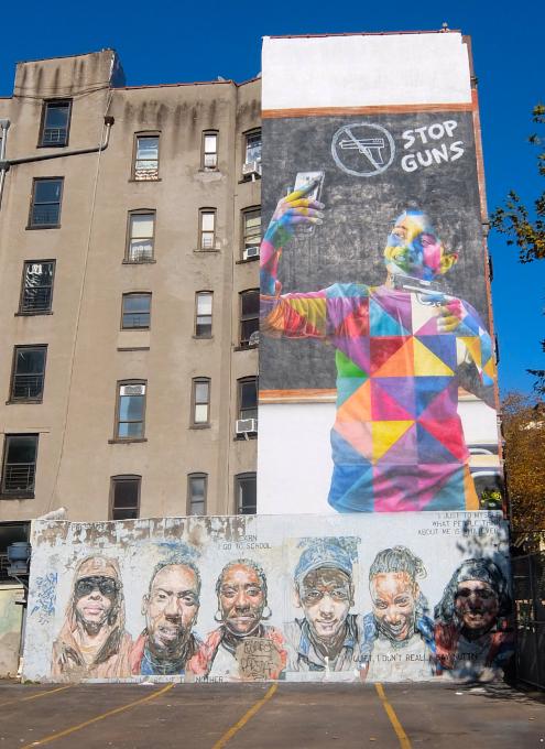 15年以上経ても残るニューヨークの駐車場に描かれた壁画_b0007805_03043155.jpg