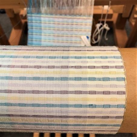 新しい年になってからの織り半襟は・・・。_f0177373_16521171.jpg
