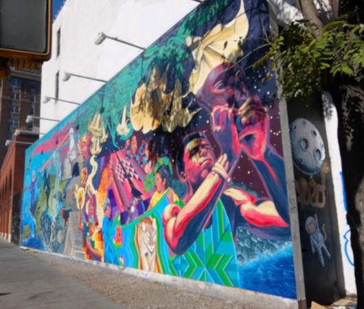 さすがNYで最も有名な壁画スポット、バウリー壁画(Bowery Mural)、横の隙間にもこんな壁画が・・・_b0007805_00445071.jpg