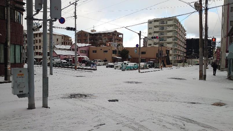 店舗周辺、凍結しています_b0282021_10274636.jpg