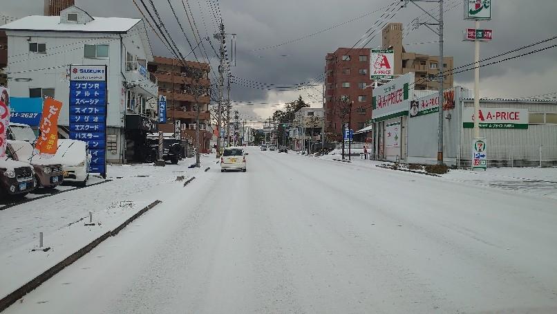 店舗周辺、凍結しています_b0282021_10274685.jpg