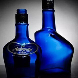 コバルトブルーに目がないもんで。インドのお酒_c0338191_00253328.jpg