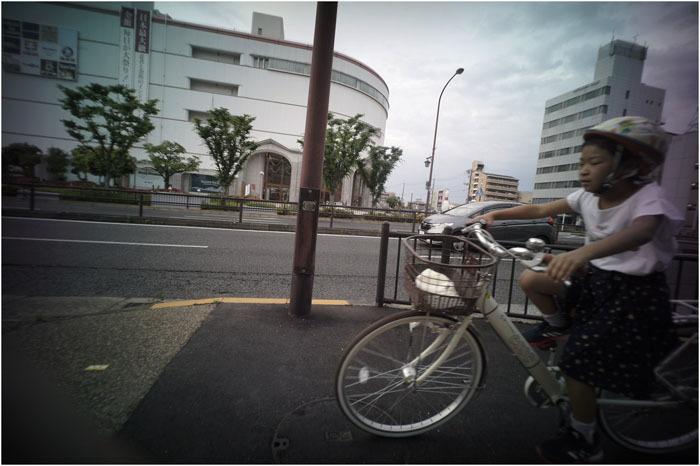 875.02 生き生きと(2020年5月30日ホロゴン15mmF8は勝手知ったる奈良町をのびのび散歩)2 心に音楽を_c0168172_00484349.jpg