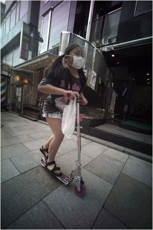 875.02 生き生きと(2020年5月30日ホロゴン15mmF8は勝手知ったる奈良町をのびのび散歩)2 心に音楽を_c0168172_00542600.jpg