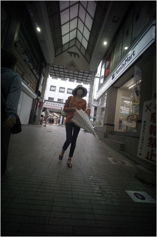 875.02 生き生きと(2020年5月30日ホロゴン15mmF8は勝手知ったる奈良町をのびのび散歩)2 心に音楽を_c0168172_01065599.jpg