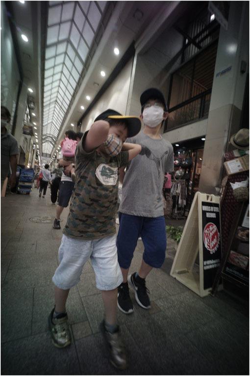875.02 生き生きと(2020年5月30日ホロゴン15mmF8は勝手知ったる奈良町をのびのび散歩)2 心に音楽を_c0168172_01085457.jpg