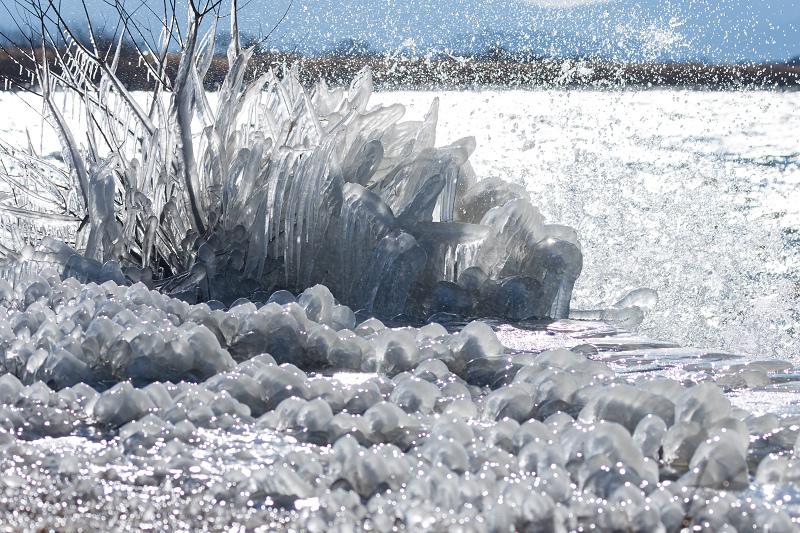 飛沫氷の造形美_f0155048_22334691.jpg