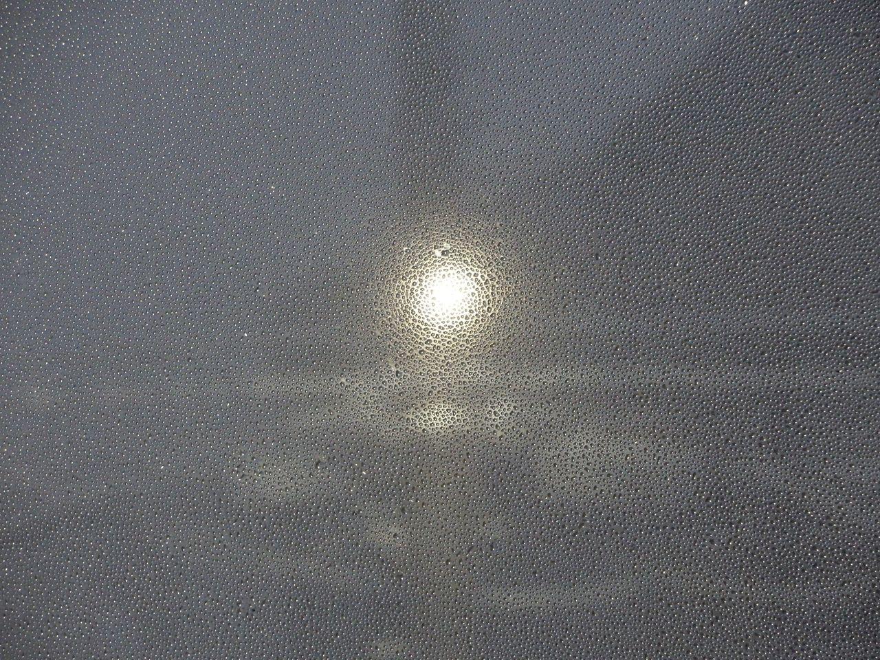 昼になっても消えない街路灯の修理_c0025115_21473256.jpg