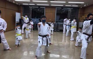 木曜空手 前田教室 手稲教室 初稽古!_c0118332_20434796.jpg