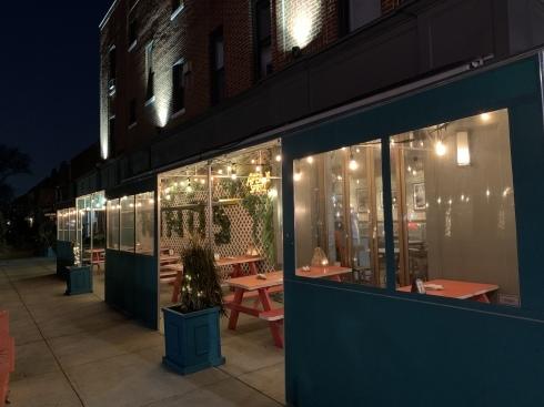 真冬のレストランで、外で食べるとこんな感じ_c0159632_01290078.jpg