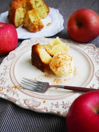 りんごのケイク♪_a0221886_04581574.jpg