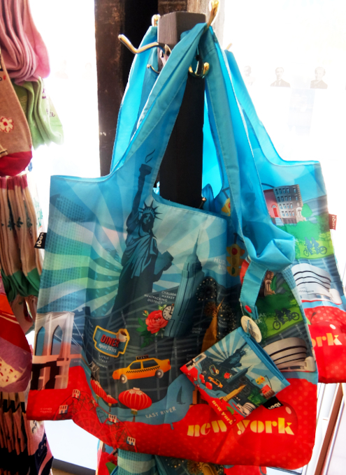 テネメント・ミュージアムで見かけたニューヨークっぽい雑貨やおもちゃ_b0007805_06524927.jpg