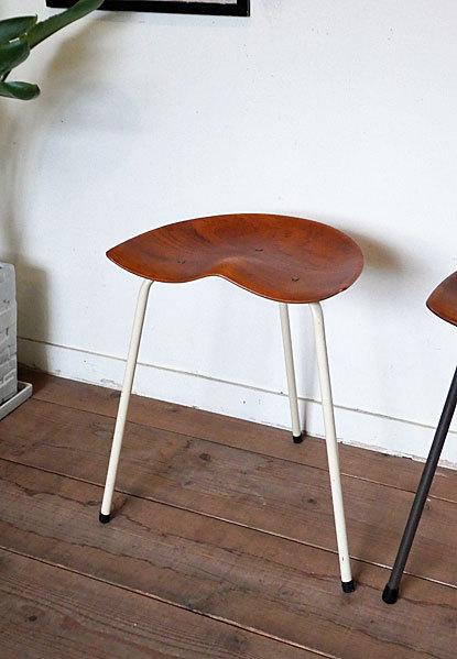 Astor Glibstrup 3 legs stool_c0139773_17392050.jpg