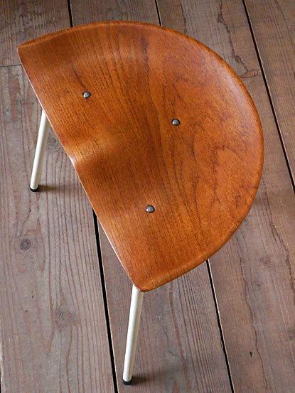 Astor Glibstrup 3 legs stool_c0139773_17402057.jpg