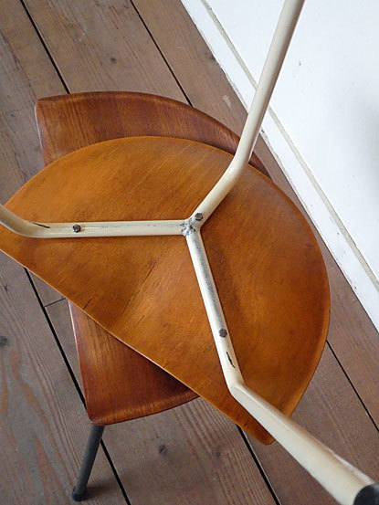 Astor Glibstrup 3 legs stool_c0139773_17421736.jpg