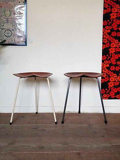 Astor Glibstrup 3 legs stool_c0139773_17425536.jpg