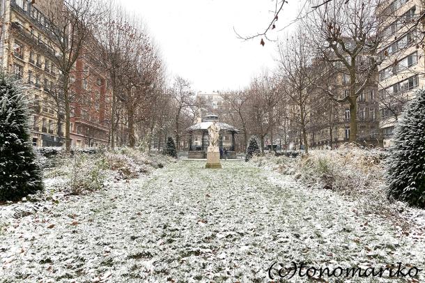 束の間のパリの雪遊び_c0024345_17522997.jpg