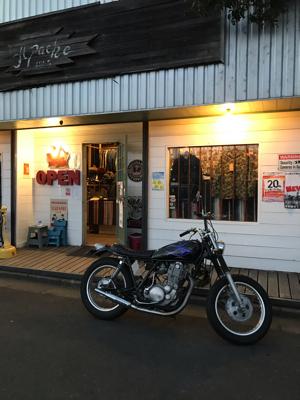 本日のバイク!_f0194657_18130253.jpg