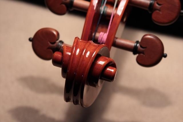 最新作ヴァイオリンのご紹介_d0047461_03484441.jpg