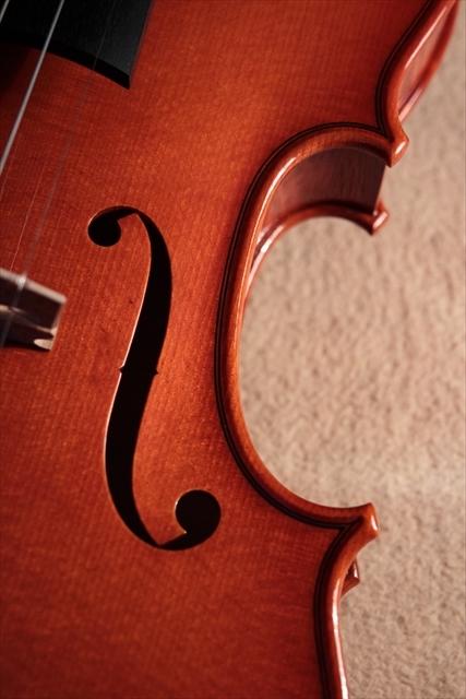 最新作ヴァイオリンのご紹介_d0047461_03484497.jpg
