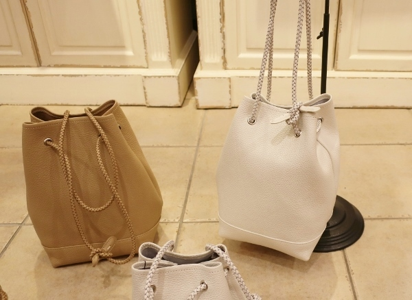 Blancle から巾着型トートバッグ新色が入荷です。_c0227633_14594872.jpg