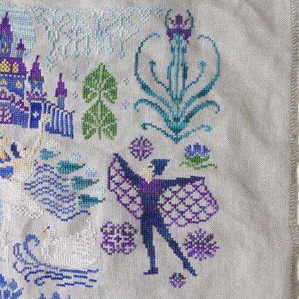 Owl Forest Embroidery Swan Lake 黒のジークフリート_b0180156_06131273.jpg