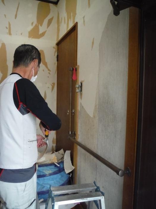 玄関の内装工事 ~ クロス工事で終了となりました。 _d0165368_04402829.jpg