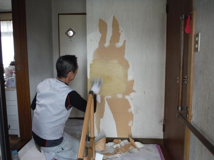 玄関の内装工事 ~ クロス工事で終了となりました。 _d0165368_04404350.jpg