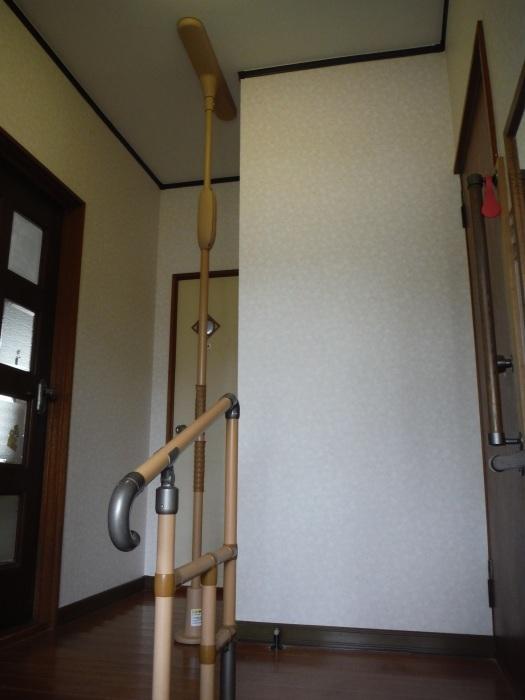 玄関の内装工事 ~ クロス工事で終了となりました。 _d0165368_04430926.jpg